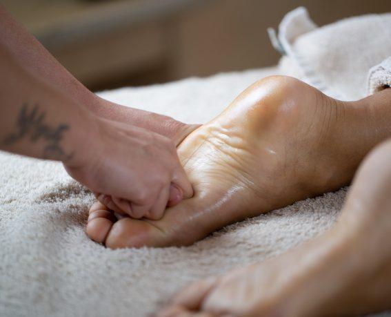 Feet-Massage-2